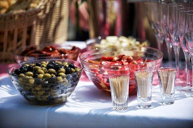 Was Sie bei einem Food Catering Service beachten sollen