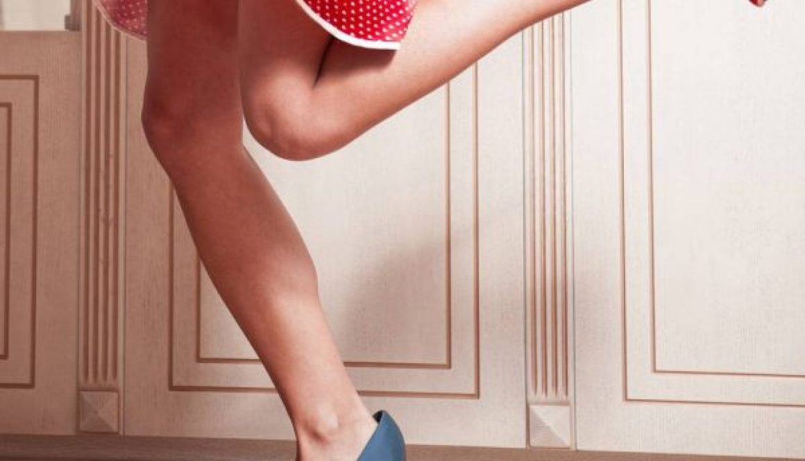 How to Naturally Remove Unwanted Body Hair at Home