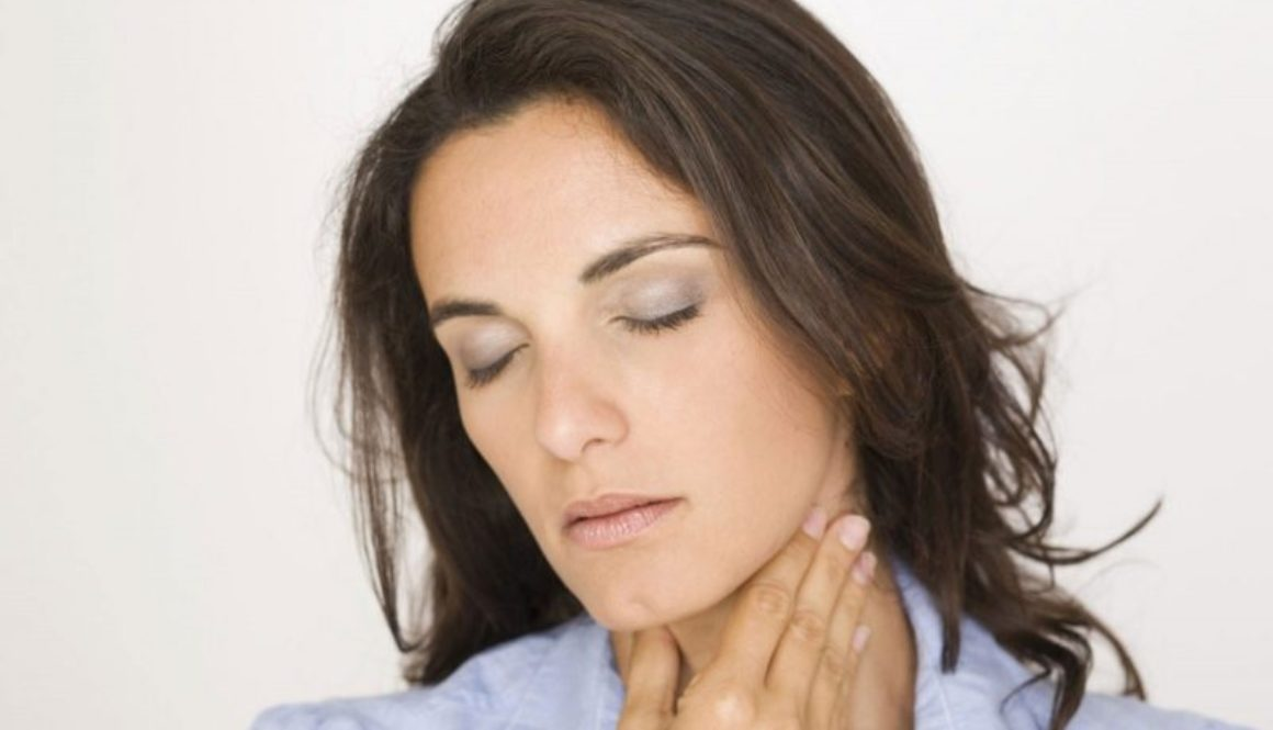 8 Natural Remedies to Get Rid of a Sore Throat